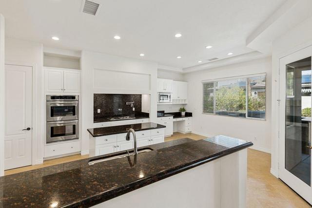 120 Brenna Lane, Palm Desert CA: http://media.crmls.org/mediaz/0449891C-E013-49E8-B78C-2297D26A82E3.jpg