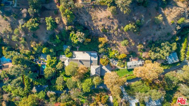 1001 Rivas Canyon Road, Pacific Palisades CA: http://media.crmls.org/mediaz/044F5174-E700-463D-BDAD-49BB3E6C1D21.jpg