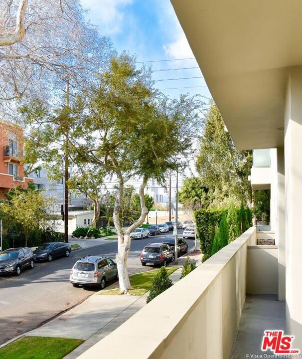 1818 THAYER Avenue, Los Angeles CA: http://media.crmls.org/mediaz/04BBD094-AC3A-41E6-8AA1-759A1DB12363.jpg