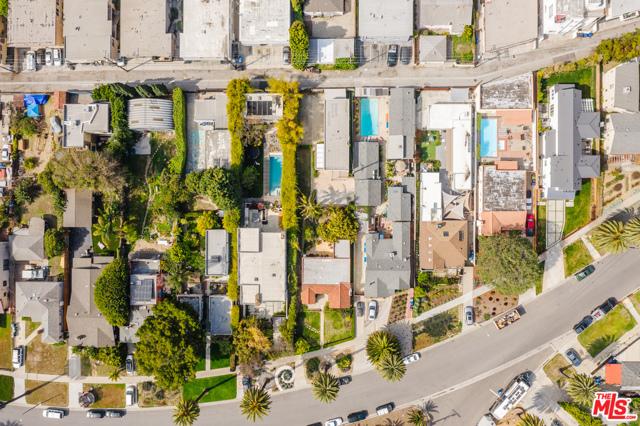 3875 Marcasel Ave, Los Angeles, CA 90066 photo 34