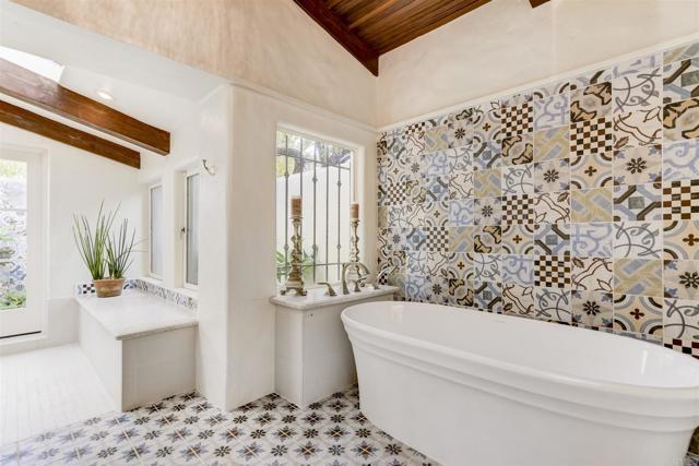 17538 El Vuelo, Rancho Santa Fe CA: http://media.crmls.org/mediaz/063A5481-2396-4EDD-AB0A-BD40E25A2A82.jpg