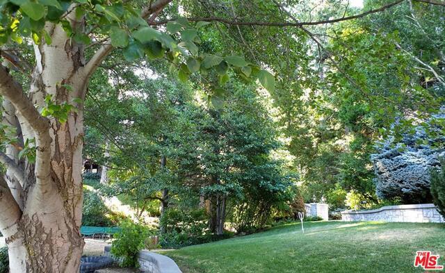 27417 NORTH BAY Road, Lake Arrowhead CA: http://media.crmls.org/mediaz/0671A66E-AAF0-488D-9CFE-2B2D3C393904.jpg