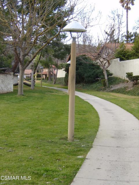 2024 Rosebay Street, Westlake Village CA: http://media.crmls.org/mediaz/0672C639-CBA1-4A1D-8E4D-3342E83B82D3.jpg