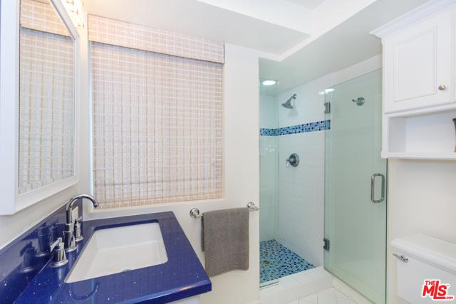 7001 Rindge Avenue, Playa del Rey CA: http://media.crmls.org/mediaz/06CAB921-EC86-4CA2-80A5-CD740D26897D.jpg