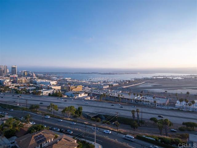 2339 Brant St, San Diego CA: http://media.crmls.org/mediaz/0720216F-928E-424E-8A6A-BD0BDAFBE585.jpg