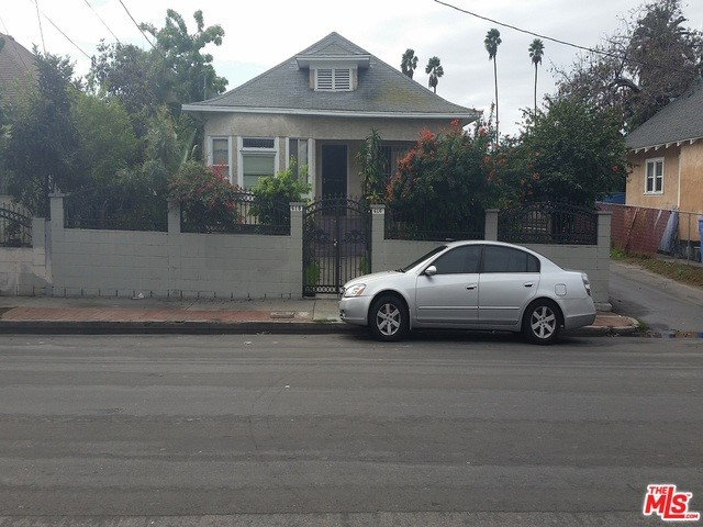 Photo of home for sale at 616 25TH Street E, Los Angeles CA