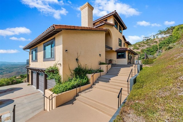 3223 Red Mountain Heights Dr., Fallbrook CA: http://media.crmls.org/mediaz/077E9D71-AF89-4BB6-A913-3EF5EB65A4B4.jpg