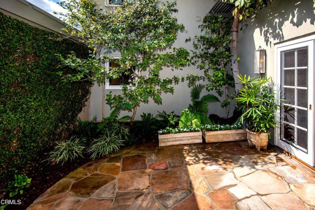 960 S Orange Grove Boulevard, Pasadena CA: http://media.crmls.org/mediaz/07A04634-030B-4915-9A8F-1829EB3F7C40.jpg
