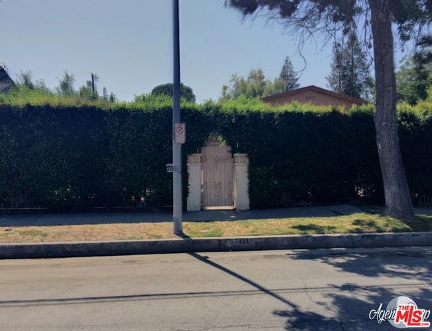 Single Family Home for Sale at 7451 Mason Avenue Winnetka, California 91306 United States
