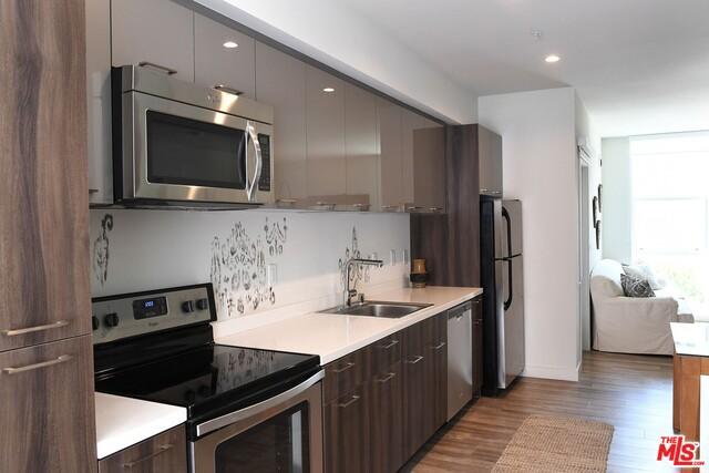 Condominium for Rent at 1515 Wilshire Blvd. Los Angeles, California 90017 United States
