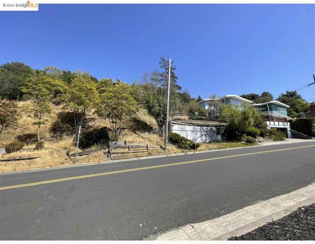 2142 Junction Ave, El Cerrito CA: http://media.crmls.org/mediaz/086CB843-B695-4D8E-BD8C-B7BEC906A681.jpg