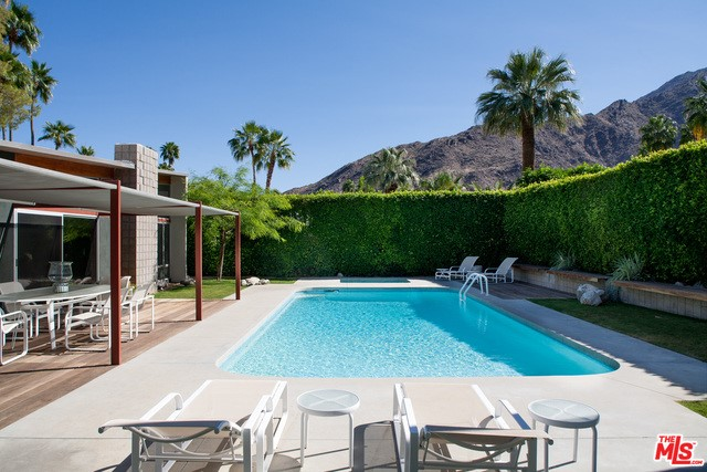 979 N VIA MONTE Palm Springs, CA 92262 is listed for sale as MLS Listing 16187696