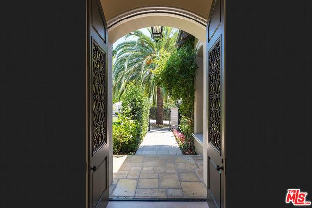 地址: 9425 SUNSET , Beverly Hills, CA 90210