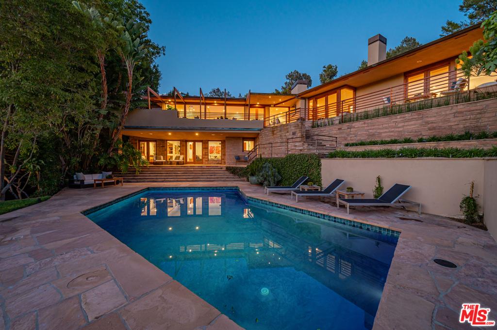 9454 Lloydcrest Drive #  Beverly Hills CA 90210