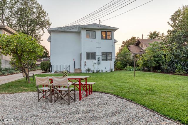 820 Brent Avenue, South Pasadena CA: http://media.crmls.org/mediaz/095B3231-D592-48F3-80E6-84BDC0A74F07.jpg