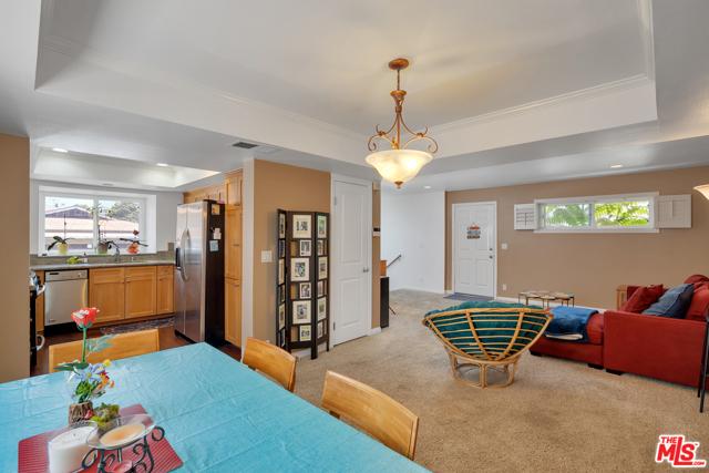 房产卖价 : $69.99万/¥482.00万