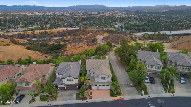 20828 Vercelli Way, Porter Ranch CA: http://media.crmls.org/mediaz/097B3F4D-6384-4807-BD29-18A93C777918.jpg