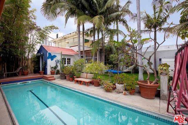 805 Hampton Dr, Venice, CA 90291 photo 9