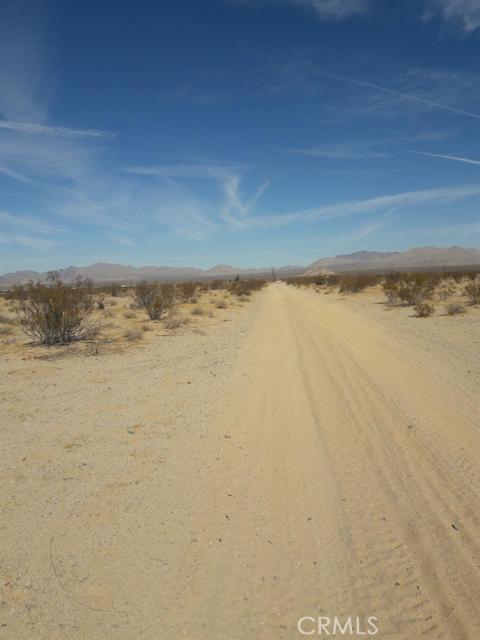 56850 Castillo Road, Landers CA: http://media.crmls.org/mediaz/09B84292-3AF9-4352-A3AA-0A83CDAD98B5.jpg