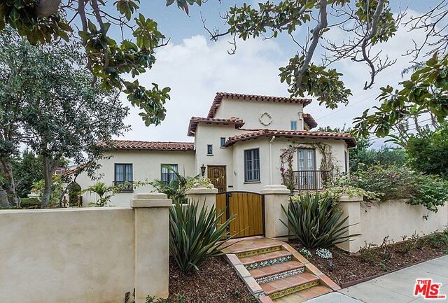Single Family Home for Rent at 1627 Pandora Avenue Los Angeles, California 90024 United States