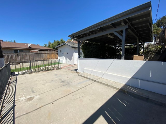 425 Charles Street, Moorpark CA: http://media.crmls.org/mediaz/09E98A6D-063D-4556-8658-0242B7913BF6.jpg