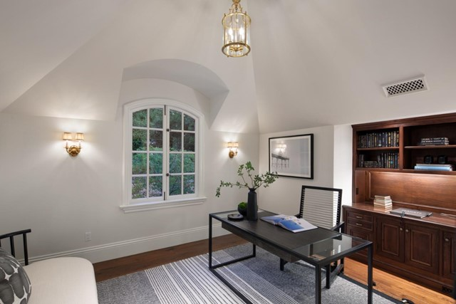 420 Selby Lane, Atherton CA: http://media.crmls.org/mediaz/09FC8470-87A7-441B-A705-D69505E19447.jpg