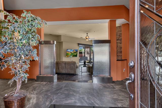 50015 Via Puente, La Quinta CA: http://media.crmls.org/mediaz/0A1B50A8-B91C-4DA6-86B1-9FDCEFA9CA26.jpg