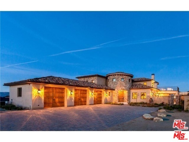 Single Family Home for Rent at 1620 LUSE TANK Road Topanga, California 90290 United States