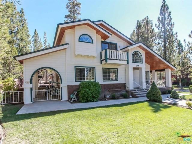 42321 HEAVENLY VALLEY Road, Big Bear CA: http://media.crmls.org/mediaz/0A671A4F-1CF5-4779-B159-BCD9D8D5C523.jpg