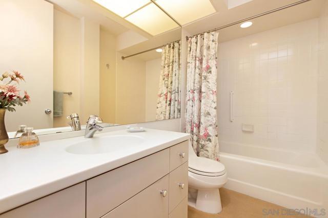 7811 Eads Avenue, La Jolla CA: http://media.crmls.org/mediaz/0A69EE90-9C0E-4C6C-B5B4-CB8A9825E2F7.jpg