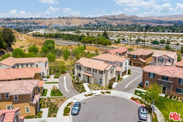 Photo of 26956 TRESTLES Drive, Santa Clarita, CA 91351