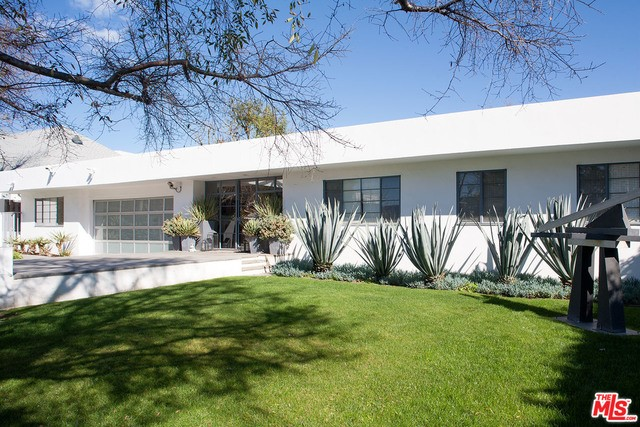 Single Family Home for Rent at 394 Saltair Avenue N Los Angeles, California 90049 United States