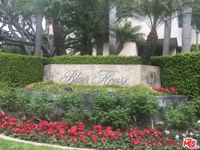 10490 Wilshire Boulevard, Los Angeles CA: http://media.crmls.org/mediaz/0C0FF2FA-DFC7-4C5F-8CE6-76E9D0356806.jpg