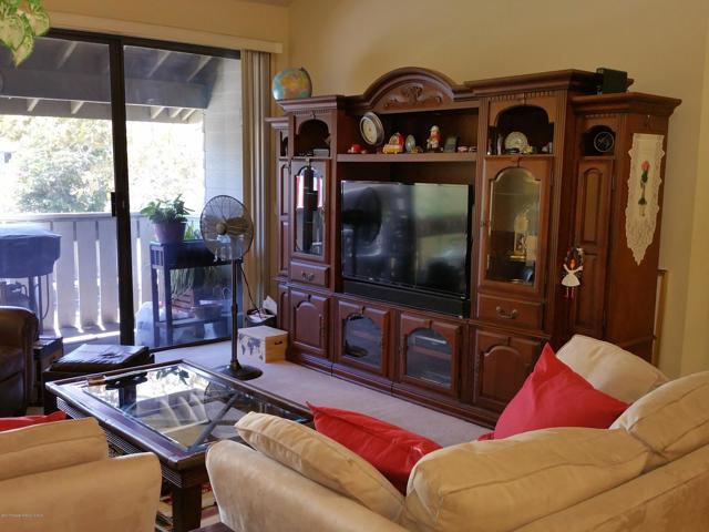 88 Carriage Way, Los Angeles, California 91766, 2 Bedrooms Bedrooms, ,CONDO,For sale,Carriage,P0-817001307
