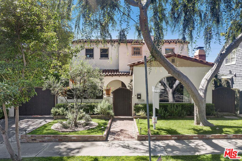 11326 BURNHAM Street #  Los Angeles CA 90049