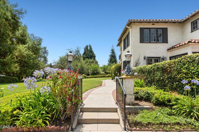 695 Lakewood Place, Pasadena CA: http://media.crmls.org/mediaz/0C7EE1A0-D39A-489D-BE58-B9B225240F8E.jpg