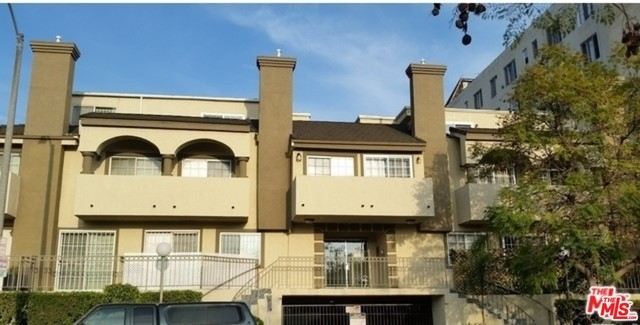 152 Gramercy Place 14, Los Angeles, California 90004