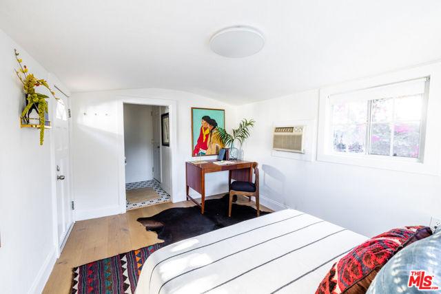 1662 Glen Aylsa Avenue, Los Angeles CA: http://media.crmls.org/mediaz/0D124860-39AF-4B81-9398-AF42F8C4E835.jpg