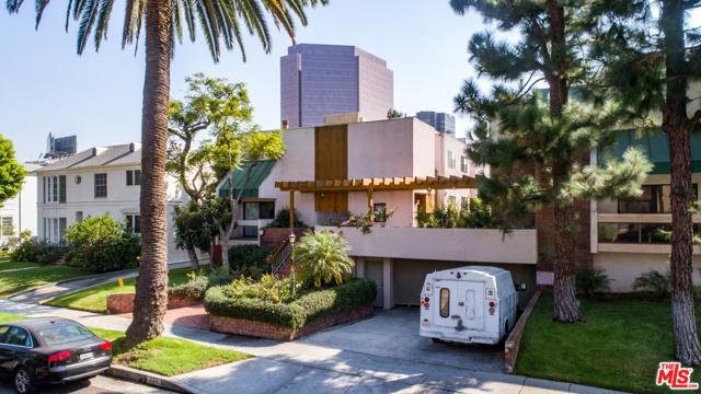 234 S Tower Drive, Beverly Hills CA: http://media.crmls.org/mediaz/0D1786CB-ECEF-4284-A9A1-F881D946FAAC.jpg