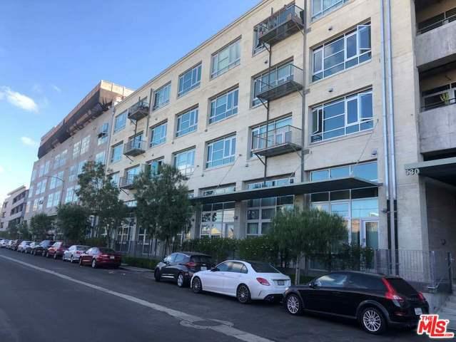 530 S HEWITT Street, Los Angeles CA: http://media.crmls.org/mediaz/0DD189C3-CF5C-44EF-A247-E7DBD6245937.jpg