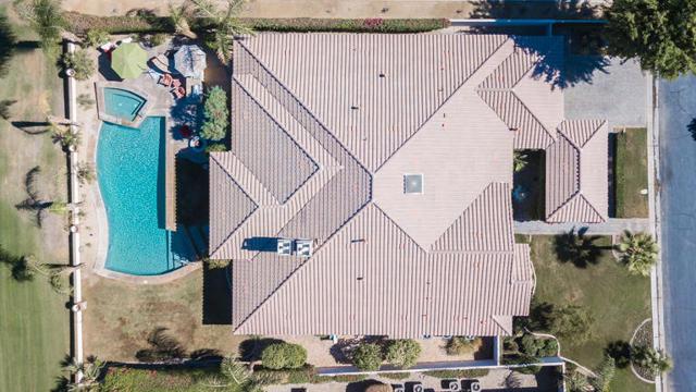 81410 Golf View Drive, La Quinta CA: http://media.crmls.org/mediaz/0E477922-E64A-40A9-9A38-A93E30A40245.jpg