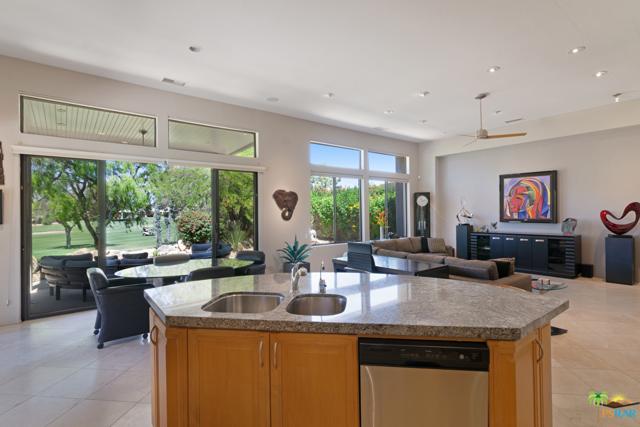 15 Birkdale Circle, Rancho Mirage CA: http://media.crmls.org/mediaz/0E47ABAE-C04C-458C-BEB7-2450C1175400.jpg