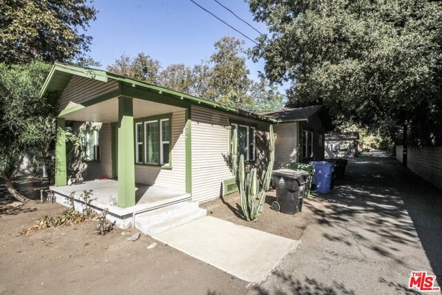 9825 SUNLAND Sunland, CA 91040 is listed for sale as MLS Listing 16187782