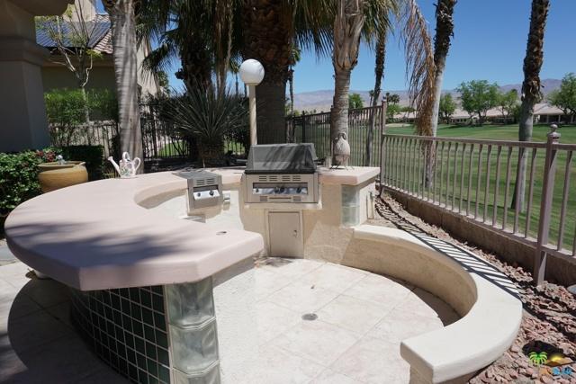 37682 Mojave Sage Street, Palm Desert CA: http://media.crmls.org/mediaz/0EA46BCF-CF14-4868-9E5C-83583095C5FF.jpg