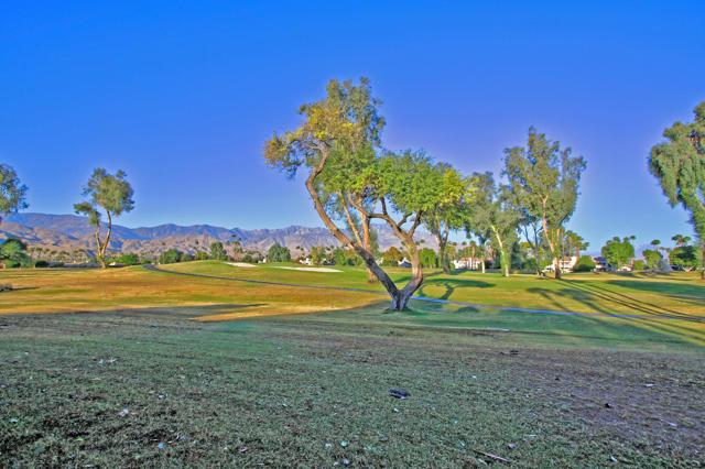 743 Inverness Drive, Rancho Mirage CA: http://media.crmls.org/mediaz/0EFF6A88-0C9E-44F3-909E-E50FF8B1127D.jpg