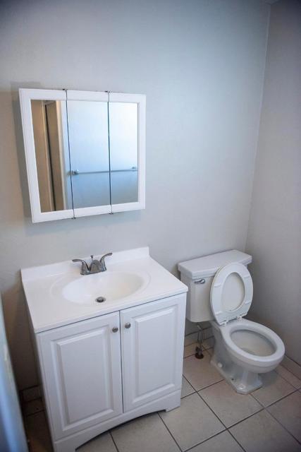940 San Benito Street, Hollister CA: http://media.crmls.org/mediaz/0F3065FA-DD9A-49D4-8B33-C278D0800E03.jpg