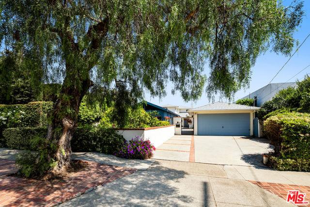 Photo of 890 Chautauqua Boulevard, Pacific Palisades, CA 90272