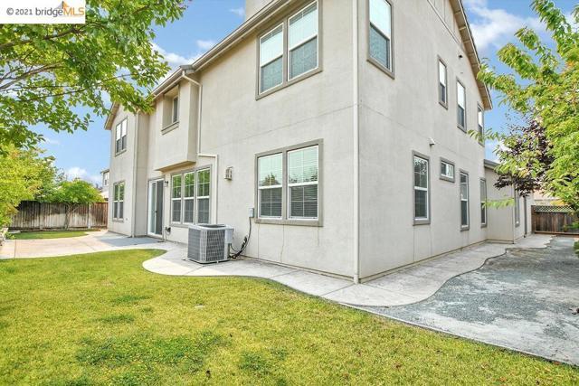 161 Coral Bell Way, Oakley CA: http://media.crmls.org/mediaz/0F876A9B-8F32-4A17-9709-33BB9A4BA5D7.jpg