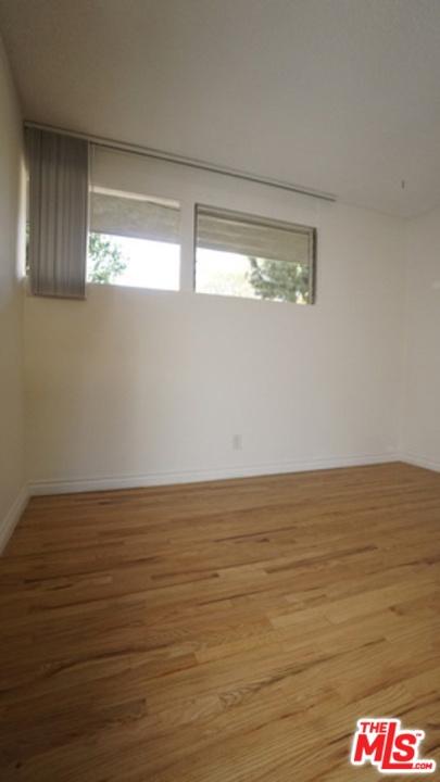 11133 ROSE Avenue, Los Angeles CA: http://media.crmls.org/mediaz/0FD1F06D-2C05-4805-9FB9-46C03AD33001.jpg