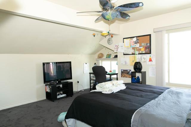 10620 Villa Bonita, Spring Valley CA: http://media.crmls.org/mediaz/0ef86b02-906d-42f7-899b-eed0906cae9d.jpg